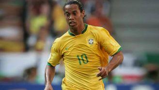 Ronaldinho corre en el Mundial de Alemania 2006