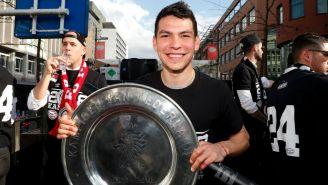 Chucky Lozano presume título del PSV en la Eredivisie