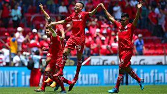 Toluca festeja triunfo frente a Tigres en la J14