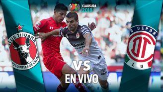 Malcorra pelea un balón en un juego contra Toluca