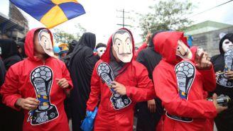 Fans de Tigres caracterizados como los personas de 'La casa de papel'