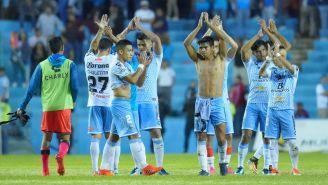 Jugadores de la Jaiba aplauden tras un encuentro