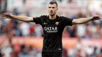 Edin Dzeko, celebrando un gol en contra del Chievo en la Serie A