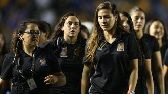 Jugadoras de Tigres en el Universitario