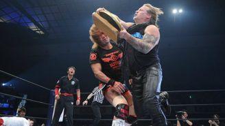 Chris Jericho ataca a Naito en NJPW