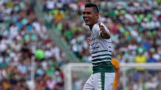 Osvaldo Martínez celebra un gol con Santos durante la Liguilla del C2018