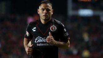Pablo Aguilar durante un partido de Xolos