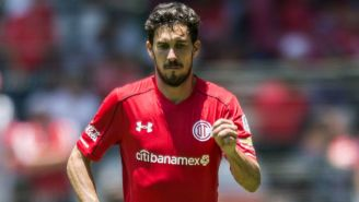 Santiago García, durante un juego con Toluca