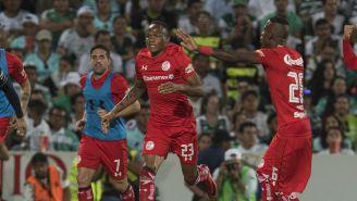 Quiñones celebra un gol con Toluca en la Final de Ida del C2018