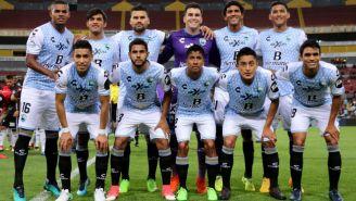 Jugadores de Tampico Madero previo al partido contra Atlas