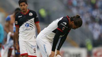 Carlos Adrián Morales se lamenta en el último juego de Lobos