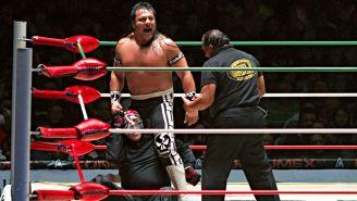 Último Guerrero durante confrontación contra Octagón