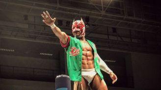 Dragon Lee antes de una lucha en Japón