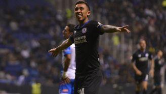 Rodríguez, en partido con Cruz Azul