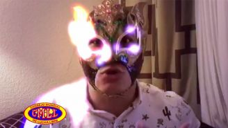 Rey Fénix en el video que presentó el CMLL