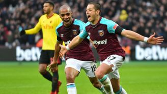 Chicharito celebra gol con el West Ham