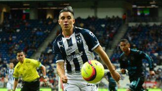 Chispa Velarde en un partido de Monterrey
