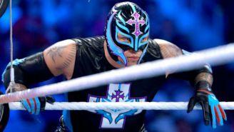 Rey Mysterio durante función de WWE
