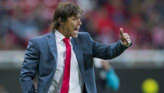 Matías Almeyda lanza un grito en un juego de Chivas