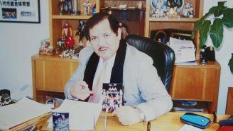 Antonio Peña en su oficina