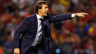 Julen Lopetegui da indicaciones en juego de España