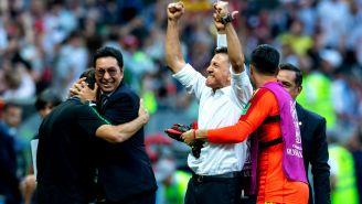 Osorio festeja triunfo frente a Alemania
