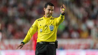 César Arturo Ramos durante un partido de la Liga MX