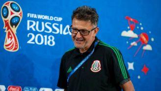 Juan Carlos Osorio previo a hablar en conferencia de prensa
