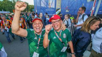 Aficionados mexicanos previo al encuentro de la Selección Mexicana contra Alemania