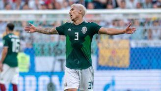 Salcedo se lamenta en el partido frente a Brasil