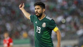 Oribe Peralta en un amistoso de México