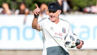 Juan Carlos Osorio dirige al Tri durante una práctica