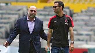 Gustavo Guzmán y Rafa Márquez recorren el Estadio Jalisco