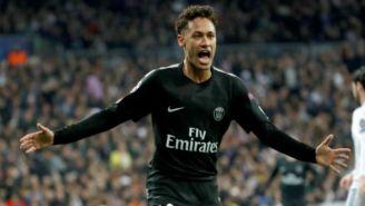 Neymar festeja una anotación con el PSG