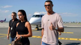 CR7 llegando a suelo italiano para reportar con la Juventus