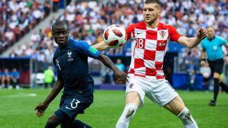 Pelea por el balón en el Francia vs Croacia