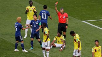 Carlos Sánchez es expulsado en el duelo de Colombia vs Japón