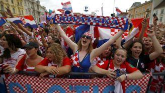 Fans croatas esperan la llegada de los jugadores