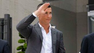 CR7 saluda a sus fans tras pasar pruebas médicas con la Juve