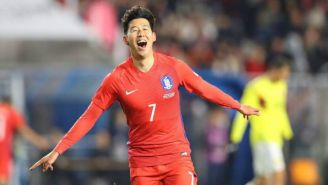 Son Heung-min en festejo con Corea del Sur