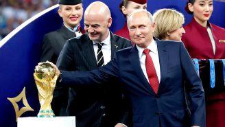 Vladimir Putin toca la Copa del Mundo en Rusia