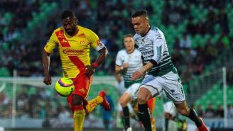 Gabriel Achilier y Jonathan Rodriguez durante un partido