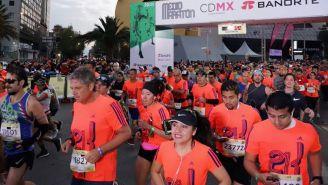 Corredores durante el Medio Maratón de la CDMX