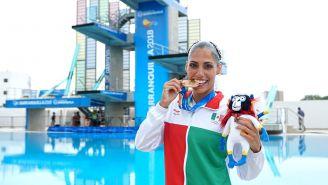 Nuria Diosdado presume una de sus medallas de oro