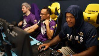 Los jugadores de los Rams hicieron equipo con los Gladiators