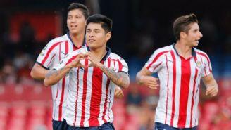 Eduardo López, Isaac Brizuela y Ángel Zaldívar celebran el gol