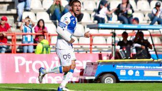 Víctor Guzmán festeja gol contra Puebla en la J7