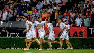 Pumas festeja gol de Pablo Barrera 3 del torneo Apertura 2018
