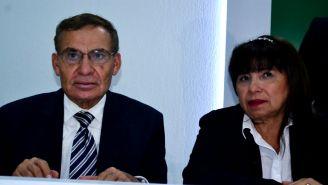 Effy Sánchez (d), durante una conferencia de prensa
