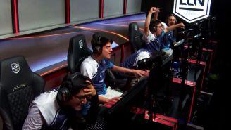 El festejo de los jugadores de Dash9 tras vencer a Rainbow7